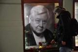 Неможливо стримати сліз: в Москві попрощалися з Олегом Табаковим (ФОТО+ВІДЕО)